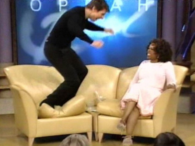 Tom Cruise jumps on Oprah's couch (2005)